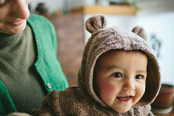 Bébé déguisé en ours